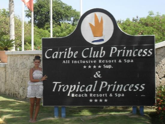 Caribe Club Princess Beach Resort & Spa: entrance to hotel