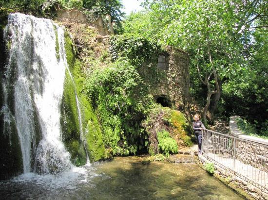 Sadali, Italien: Cascata ed il vecchio mulino