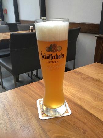 Strate's Brauhaus: The delicious Schofferhofer weinzenbier