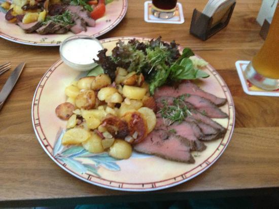 Strate's Brauhaus: The roastbeef
