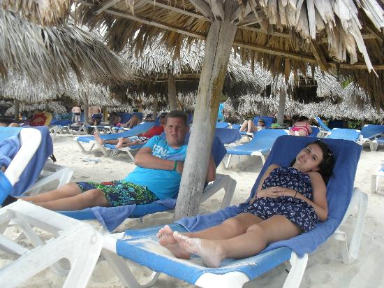 Caribe Club Princess Beach Resort & Spa: relaxing in the shade