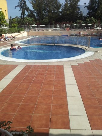 Compostela Beach Golf Club: kids pool not to deep but very slippy
