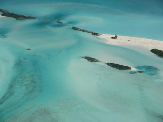 Old plane wreck off of Norman Cay - Picture of Safari