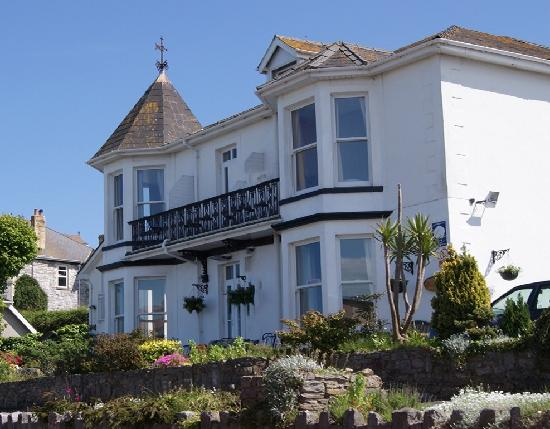 The Shoalstone: Hotel front view