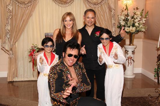 Elvis Wedding Renewal Picture Of Graceland Wedding Chapel Las
