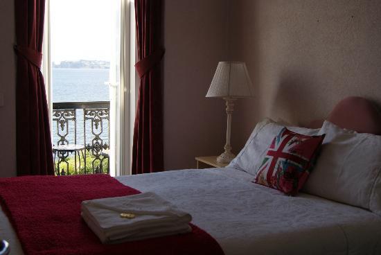 Shoalstone Hotel