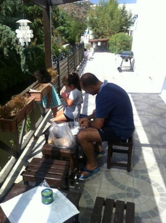 Kaptan Motel: Fishing at the hotel...