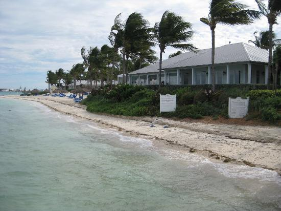 Sunset Key Cottages, A Luxury Collection Resort, Key West: Other side of our beach