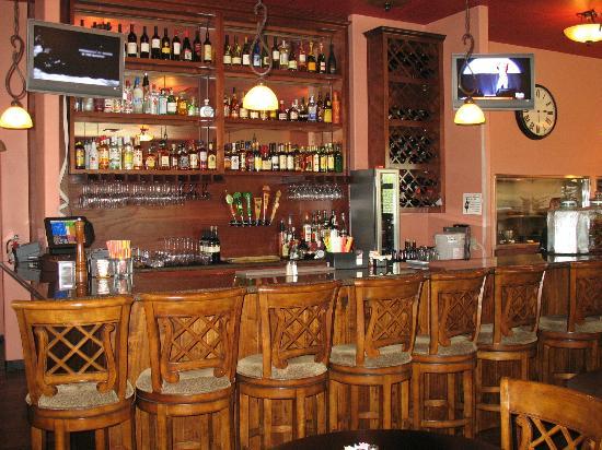 Las Fajitas Mexican Cuisine: Beautiful bar to serve tasty drinks