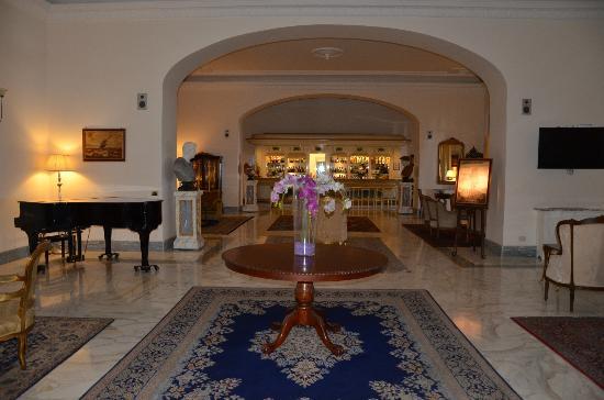 Europa Palace Grand Hotel: Bar area