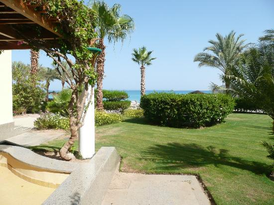 SENTIDO Palm Royale: View from our room terrace.