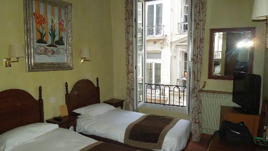 Hotel Saint Paul Rive Gauche: Small, but charming and comfortable...