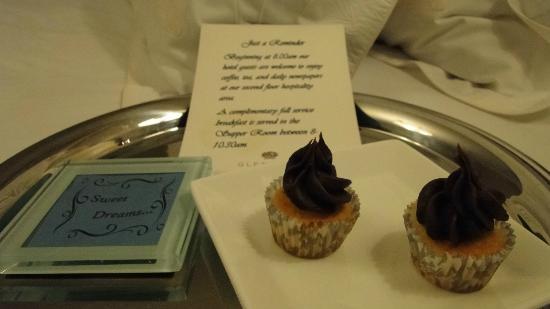 Glenmere Mansion: Dulces en la habitación cada noche