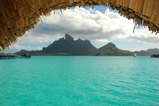 Four Seasons Resort Bora Bora: Mountain view room