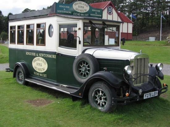 Highland Folk Museum: old scotish bus