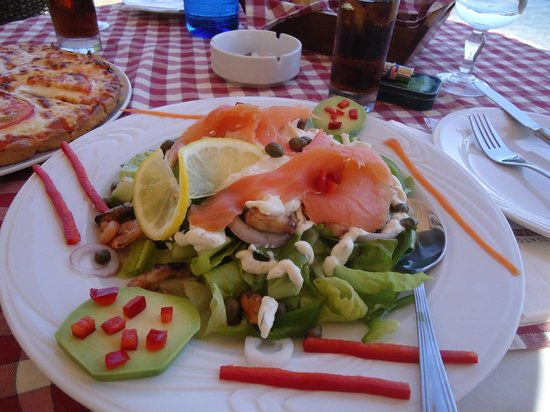 Limanaki: How beautiful is this salad?!!