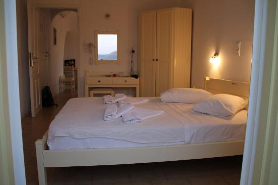 Akrotiri Hotel: Very clean and comfortable