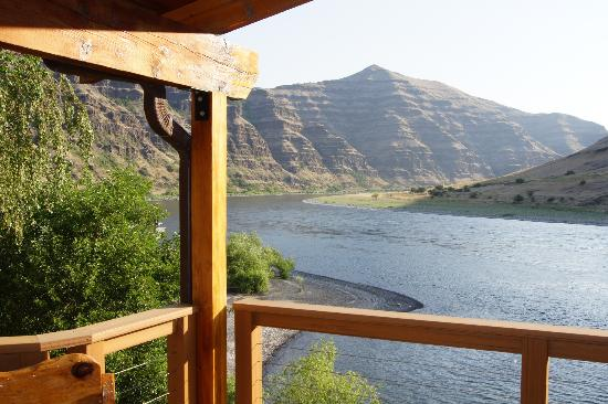Victor and Dawna's Hells Canyon Resort: Amazing River View