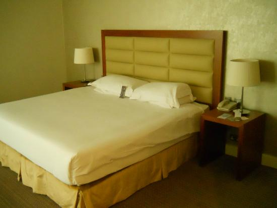 Sheraton Athlone: bed