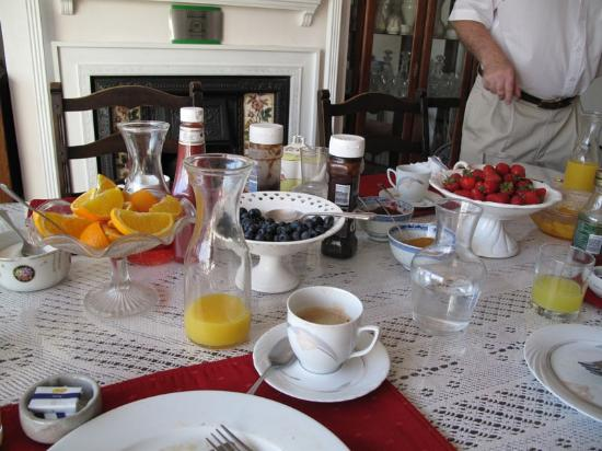 Bay Tree House Bed & Breakfast: Full hearty breakfasts to start your day