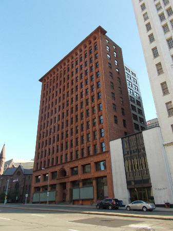 Guaranty / Prudential Building: Exterior