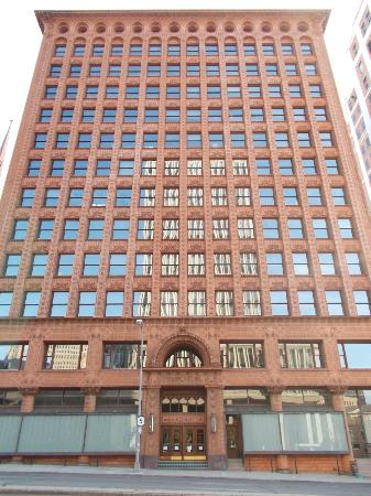 Guaranty / Prudential Building: Full Frontal