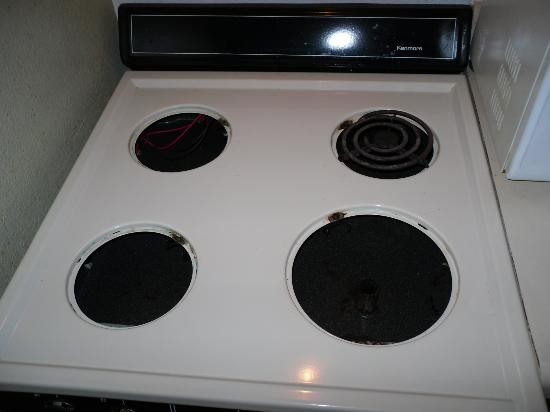 Extended Stay America - Indianapolis - Northwest - College Park: The stove with burners missing