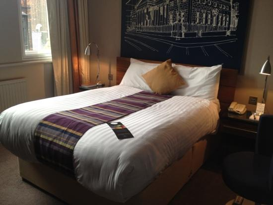 Townhouse Hotel Manchester: comfiest bed!