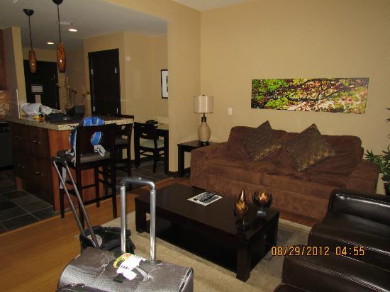 سيلفر كريك لودج: Large living room and full kitchen 