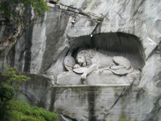 Luzernerhof Hotel: Lion Monument in Lucerne 