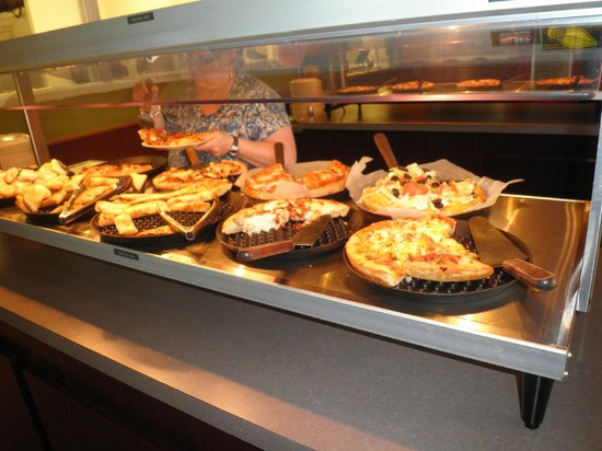 Buffet picture of east of chicago pizza oberlin for Buffet chicago but