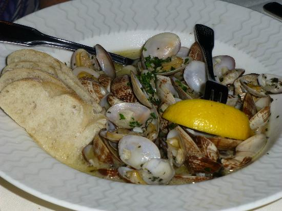 Steamers of Pismo: clam entree