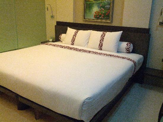 Sun Boutique Hotel Managed by BENCOOLEN: Big and tender bed