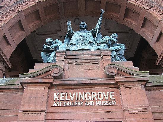 Glasgow West End : kelvingrove museum