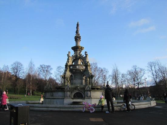 Glasgow West End : kelvingrove park