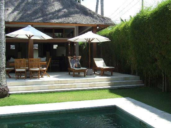 Villa Sasoon: Deck from family room