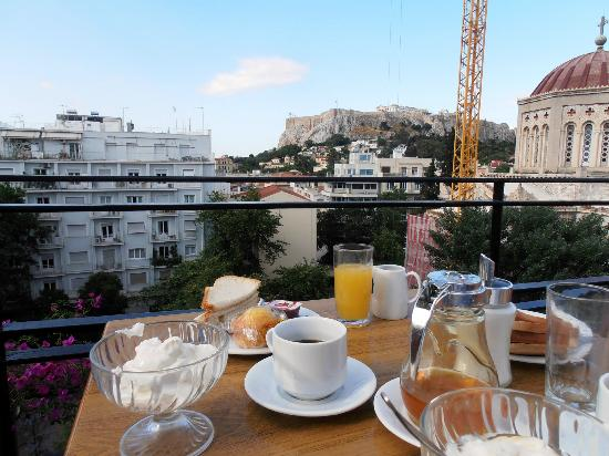 Hotel Metropolis: breakfast with a view at Hotel Metropolitan