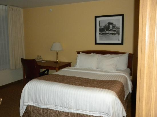 TownePlace Suites Detroit Sterling Heights: Master bedroom