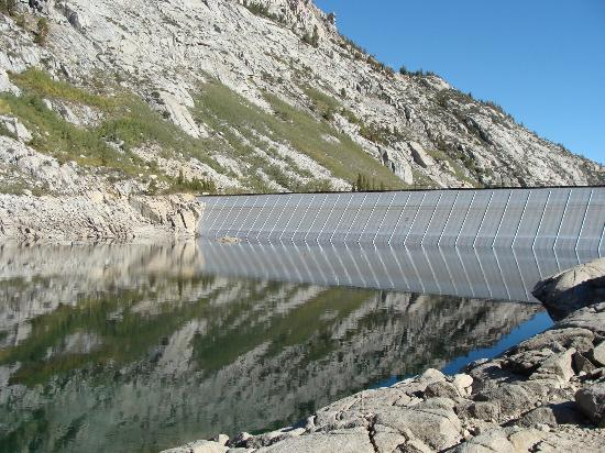 Parchers Resort: South Lake Dam
