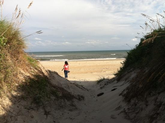 Ocracoke Campground: short walk to the beach