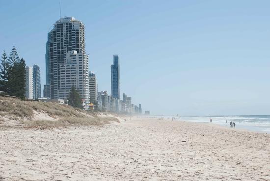 Surfer's Paradise Beach : Aussie snapshot