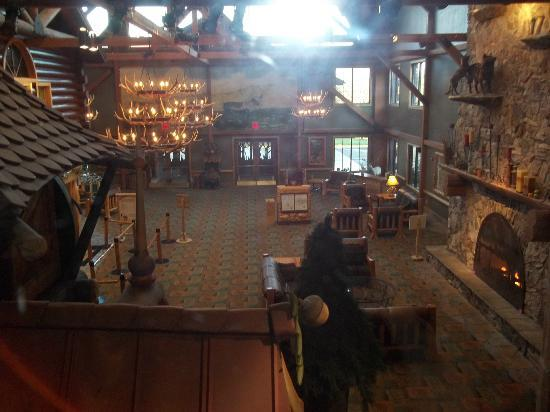Great Wolf Lodge: Lobby Shot From the Elevator