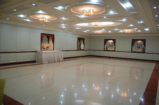 Aadithya Hotel: Banquet Hall - Nizam Hall