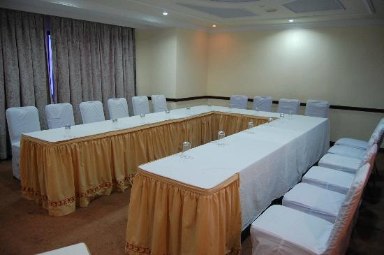 Aadithya Hotel: Banquet Hall -- Conference Hall - 112