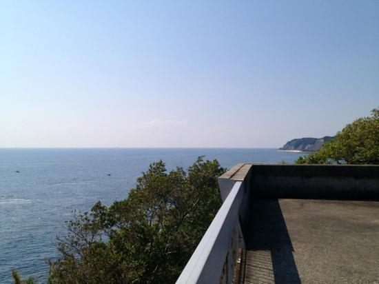 Morozaki Hazu Cape (Hazu Jinja Shrine) : 【羽豆岬展望台】からの180°景色❶