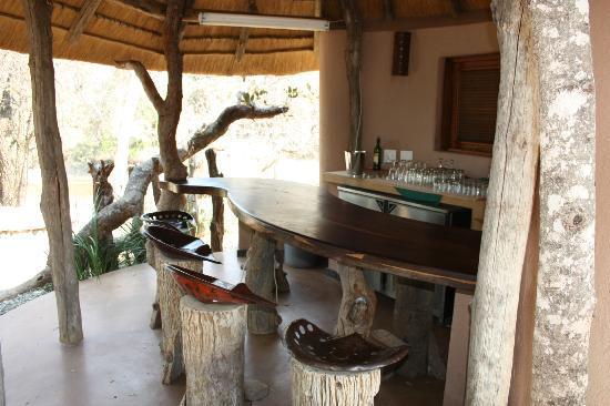 Limpopo-Lipadi: bar area at central fascility