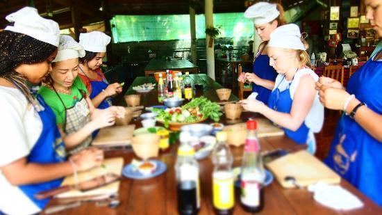 Baan Hongnual Cookery School: ูู^^