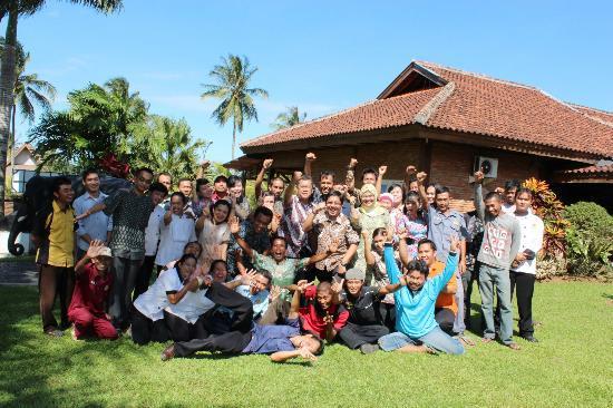 Kampoeng Wisata Tabek Indah Hotel: Personeel en management