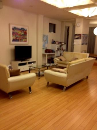 K's House Hakuba Alps: living room