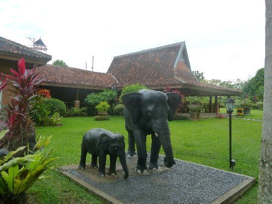 Kampoeng Wisata Tabek Indah Hotel: Uitzicht op het restaurant